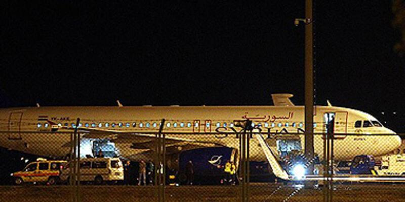 Suriye yolcu uçağı jetlerle Ankara'ya indirildi!