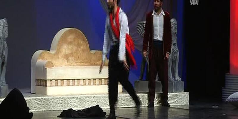 Hamlet'in bir de Kürtçesini izleyin