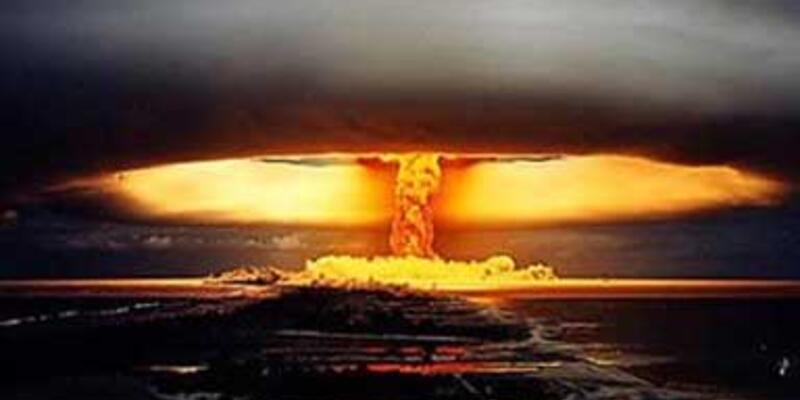 ABD Ay'ı atom bombasıyla havaya uçuracakmış
