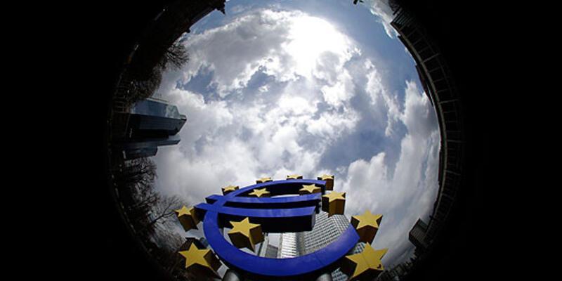 Euro Bölgesi yeniden durgunluğa girdi