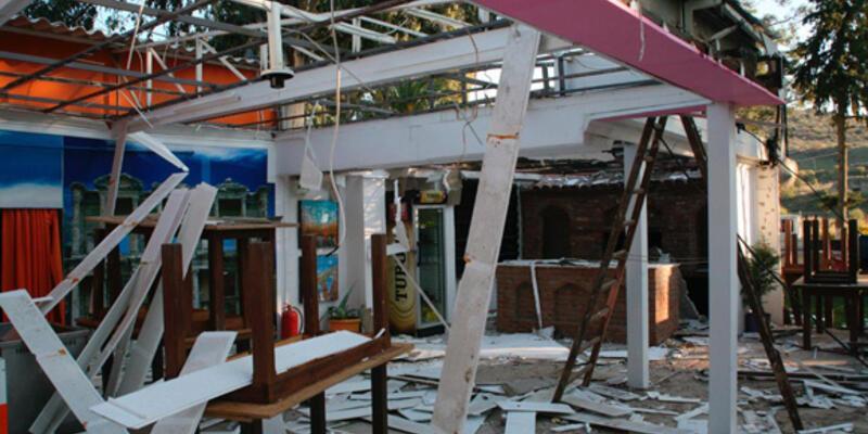 Arkeolojik SİT alanlarındaki kaçak yapılar yıkılıyor