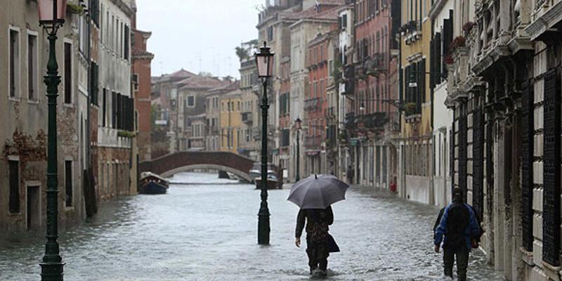İtalya'da yağışlar 3 can aldı
