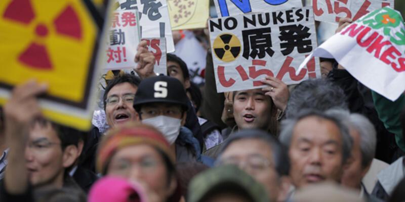 Japonya'da nükleer reaktörlerin yeniden açılmasına tepki