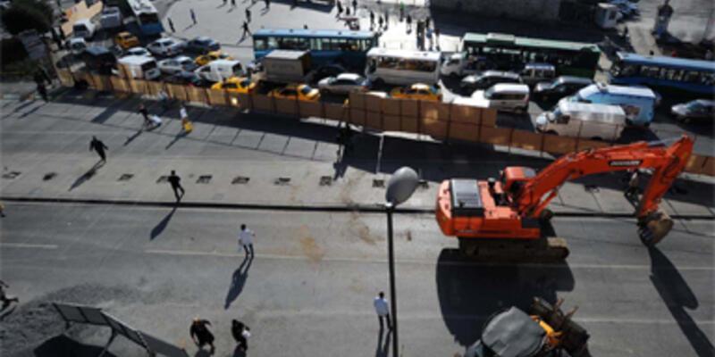 Taksim'de çalışmalar başladı