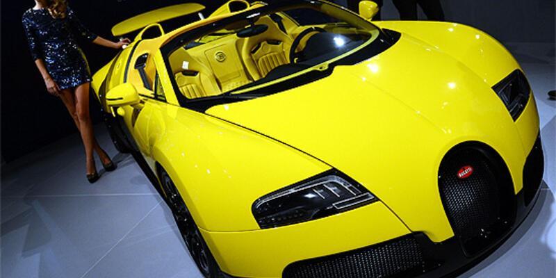 Fuarın gözdesi 4.3 milyon euroluk Bugatti