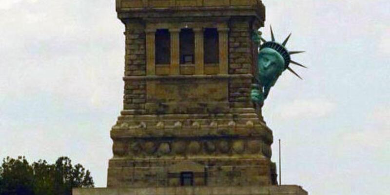 Özgürlük heykeli, Sandy Kasırgası'ndan korkup kaçtı!