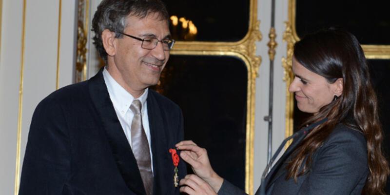 Orhan Pamuk'a Legion D'honneur