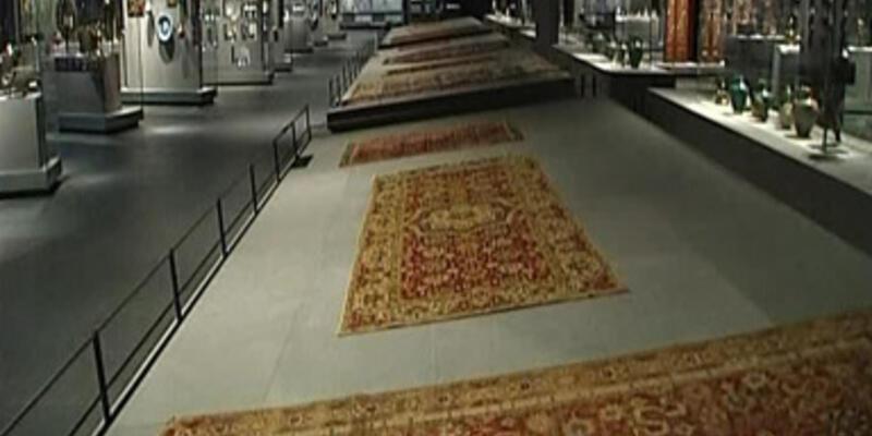 Louvre Müzesi'ne suçüstü!..