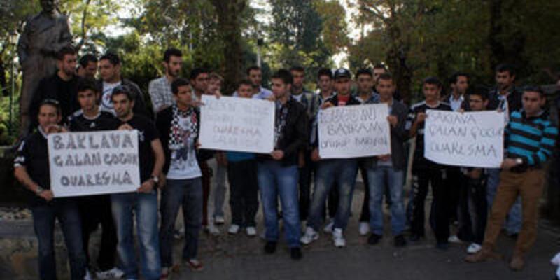 Beşiktaş taraftarından Q7 protestosu
