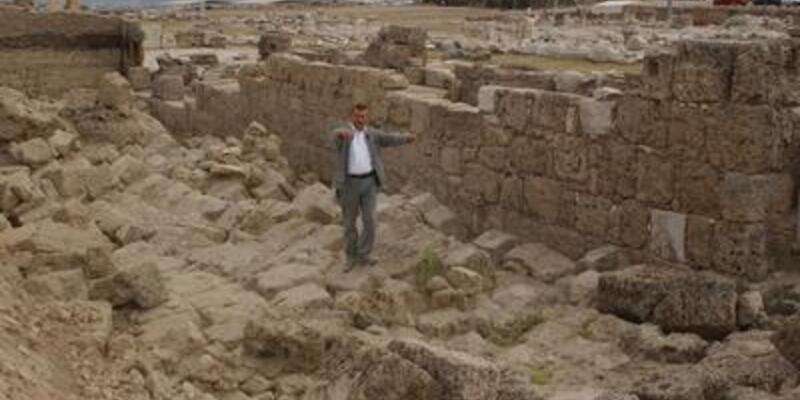 Laodikya Yunan kenti değilmiş!