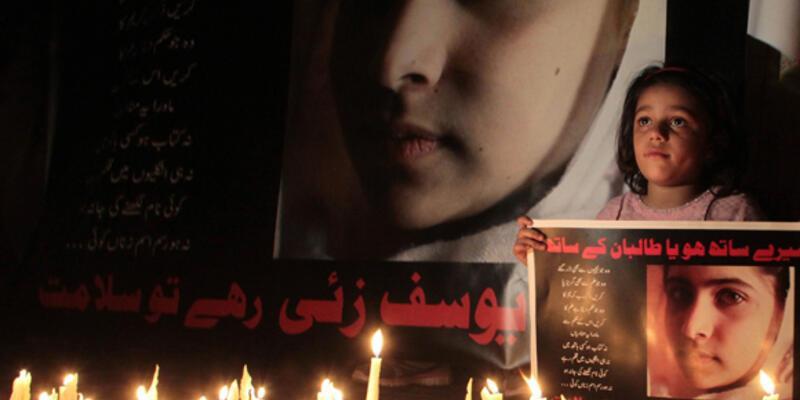 Taliban'ın vurduğu Malala iyileşiyor