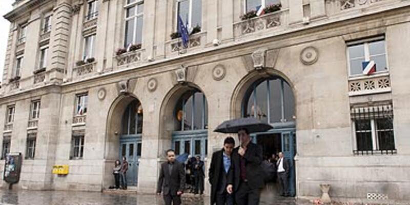 Paris belediyesinde uyuşturucu skandalı