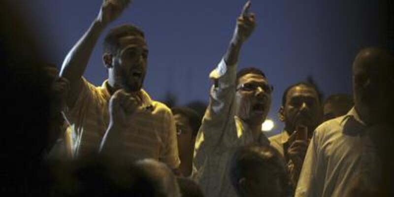 """Mısır'da """"deve savaşı"""" öfkesi!"""