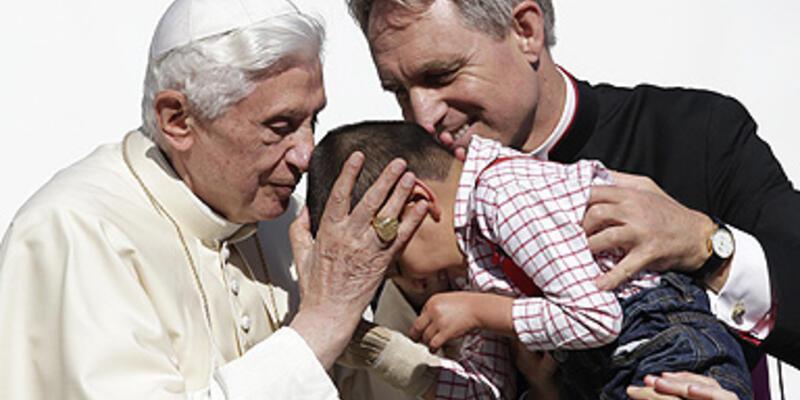 """Papa 16. Benedict'ten """"Arapça"""" açılımı"""