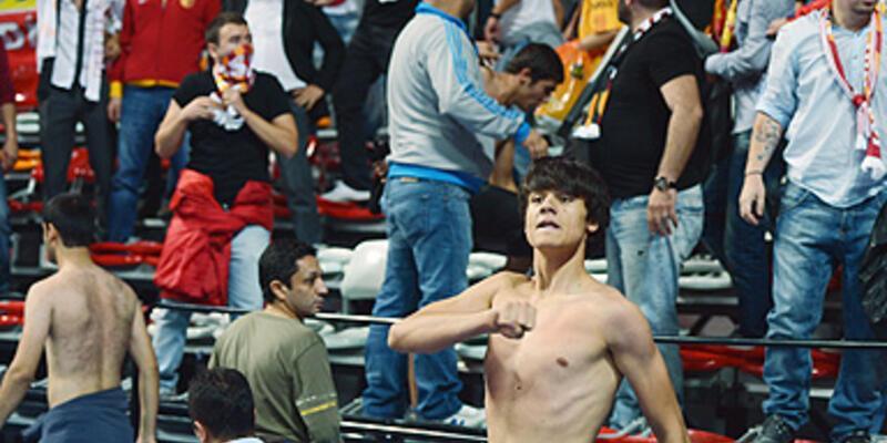 Fenerbahçe - Galatasaray derbisinde olay!