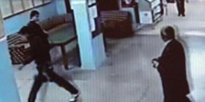 Okuldan atılan öğrenci, öğretmenlere saldırdı