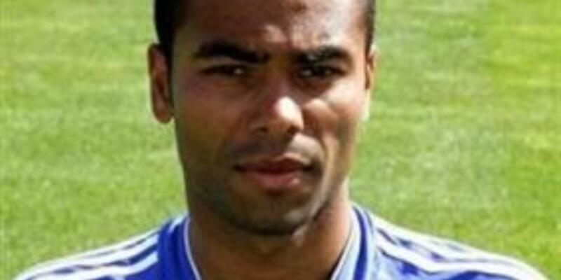 Ashley Cole'a FA'den tepki geldi