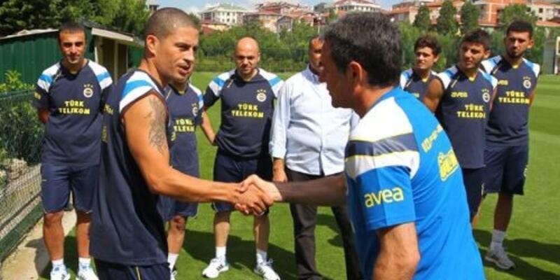 Fenerbahçe'de Alex ipleri kopardı