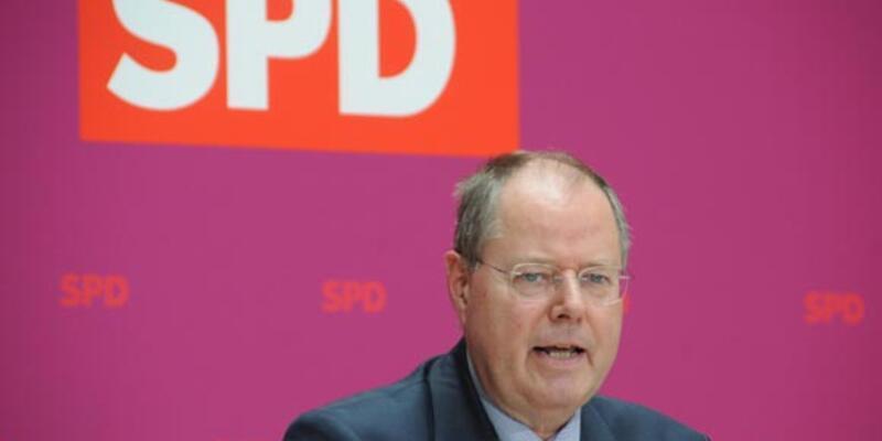 Almanya'da SPD'nin Başbakan adayı Steinbrück