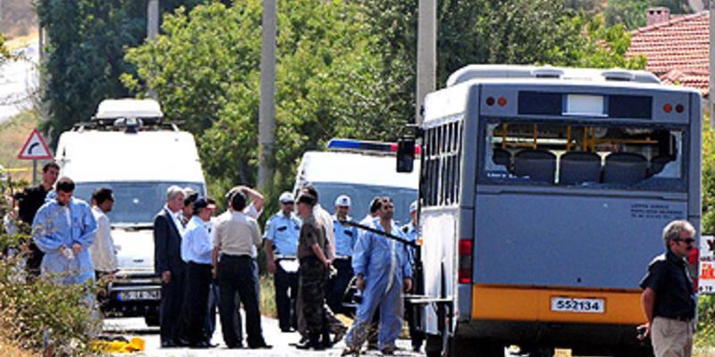 Foça'da askeri araca bombalı saldırı