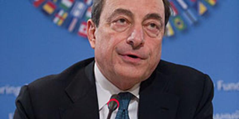 """Draghi: """"Euro Bölgesi yeniden yapılandırılmalı"""""""
