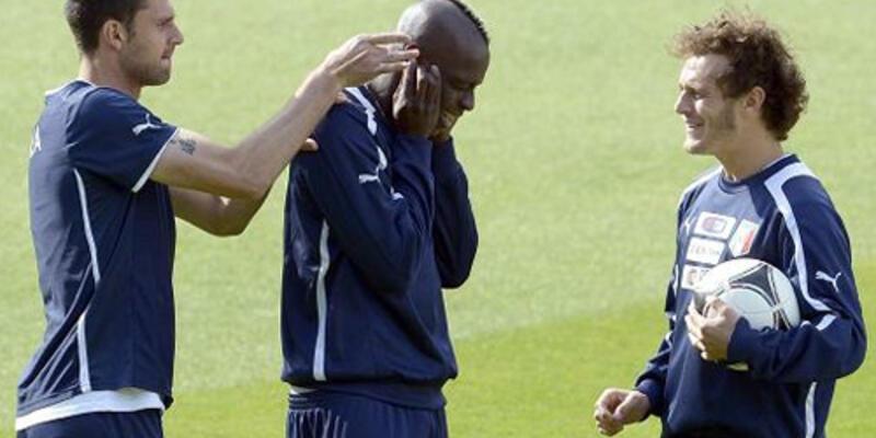 Balotelli'ye antrenmanda komik ceza