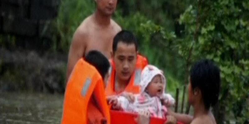 Bebekleri leğenlerle kurtardılar!