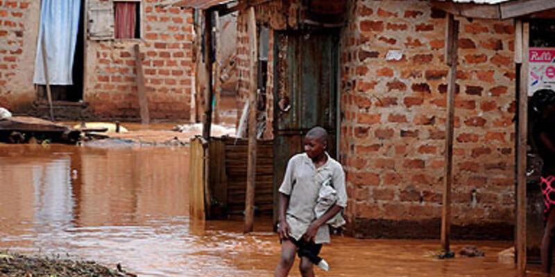 Uganda: 100 kadar kişi kurtarılmayı bekliyor