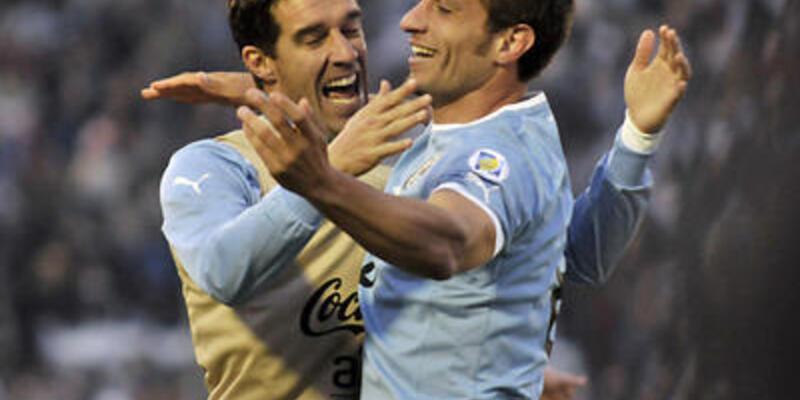 Uruguay 2.liğe yükseldi