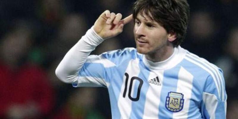 Messi Brezilya'ya acımadı
