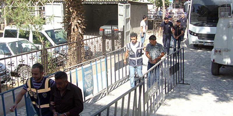 4'ü asker 14 kişiye rüşvet tutuklaması