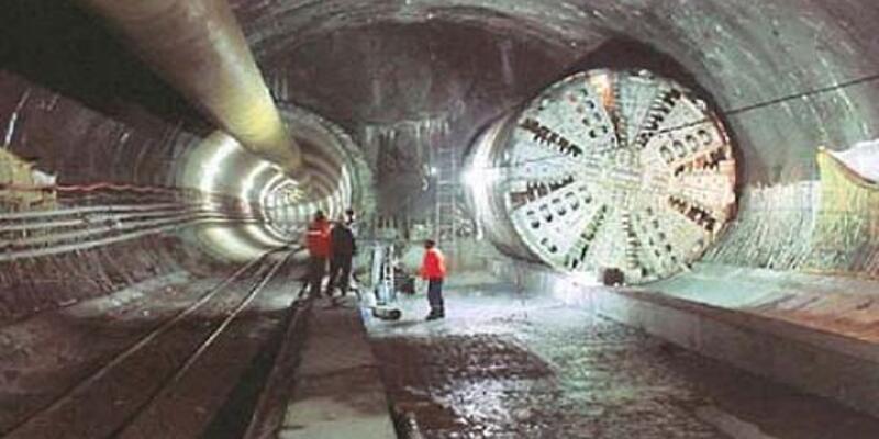 Metro Çekmeköy'e iniyor