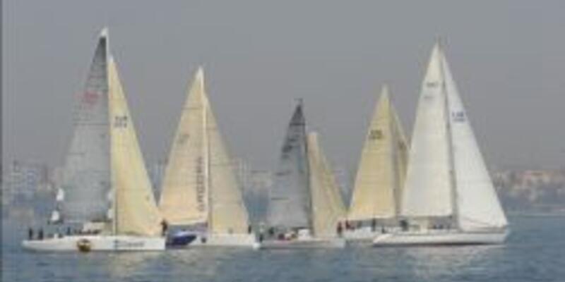Yelkenler Ataköy Marina'dan start aldı
