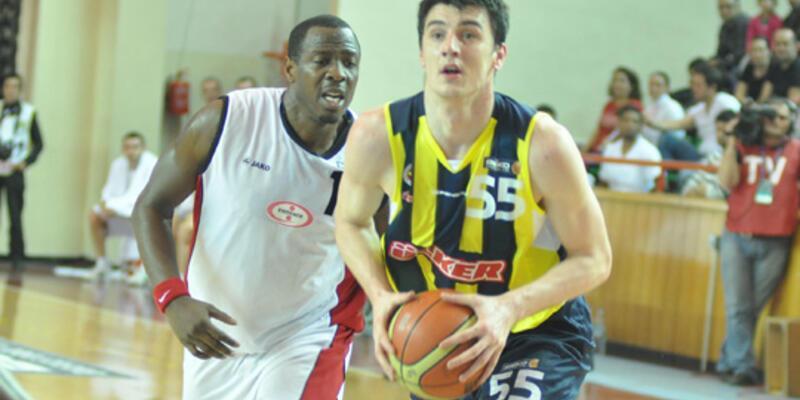 Fenerbahçe, Erdemir'e şans tanımadı