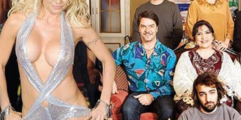 Pamela Anderson Yalan Dünya'da...