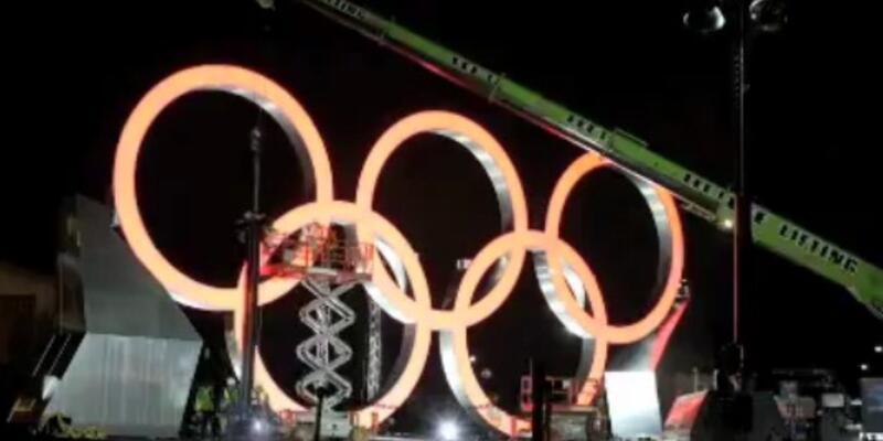 Dev Olimpiyat halkalarının yapılışı