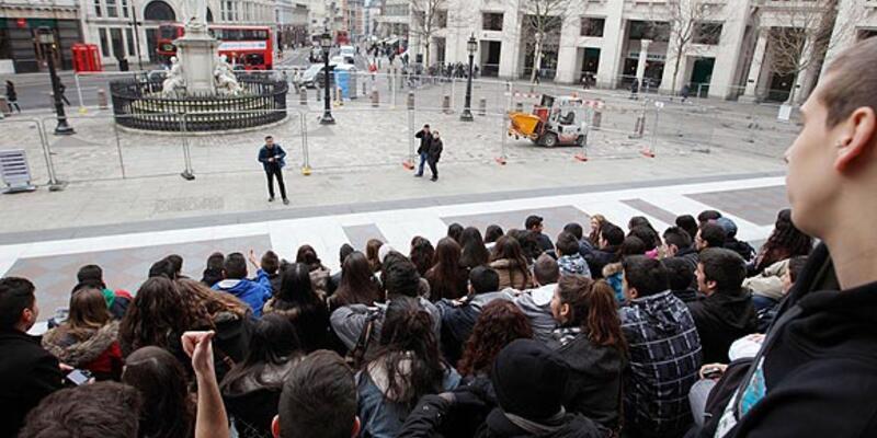 ''Londra'yı işgal et'' eylemcileri tahliye edildi