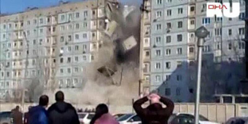 Gaz patladı bina yerle bir oldu