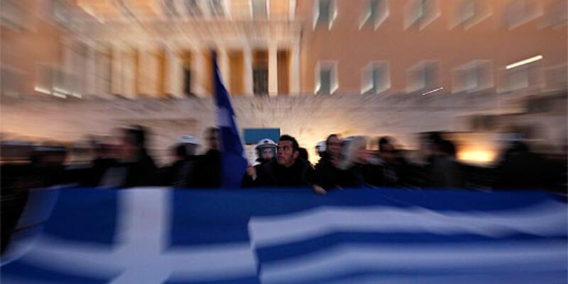 """S&P, Yunanistan'ın kredi notunu """"SD""""ye düşürdü"""
