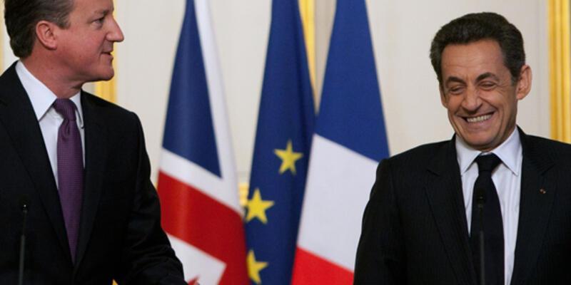 """Sarkozy: """"Dünya yakında Esad'dan kurtulacak"""""""