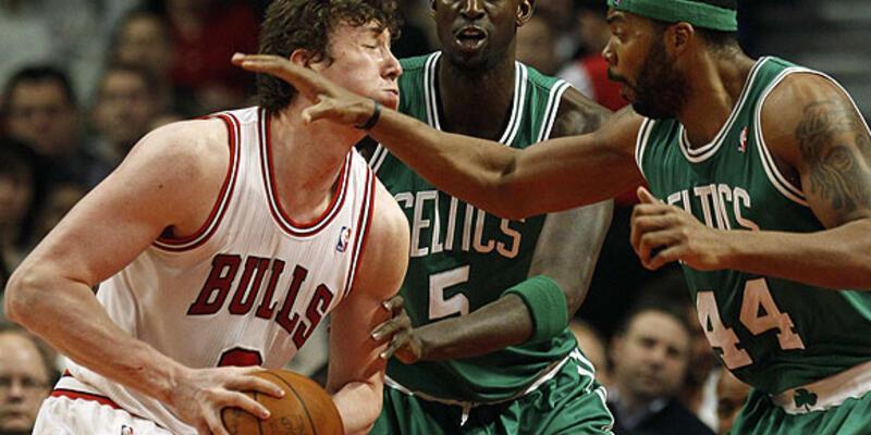 Boğalar Celtics'e geçit vermedi