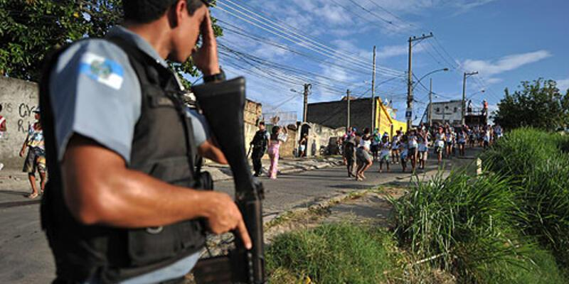 Polis isyanında 30 ölü