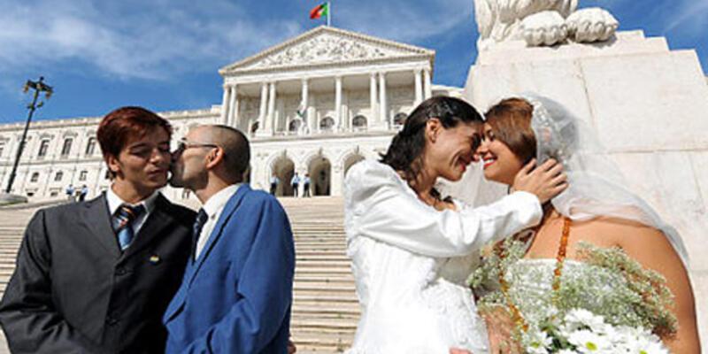 Avustralya, eşcinsel evliliğini tartışıyor
