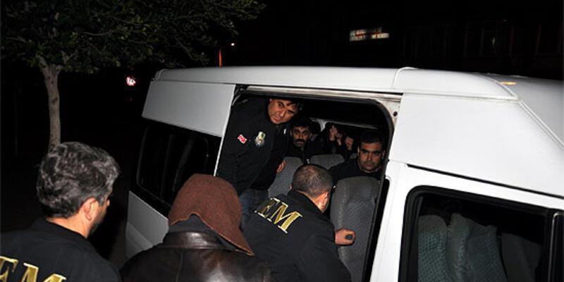 """Siyasi casusluk""tan 5 tutuklama"