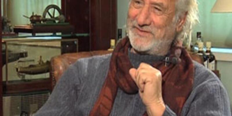 Georgios Maroudas, Işıltılar'da