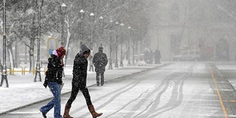 İstanbul'da kar etkisini artırıyor!