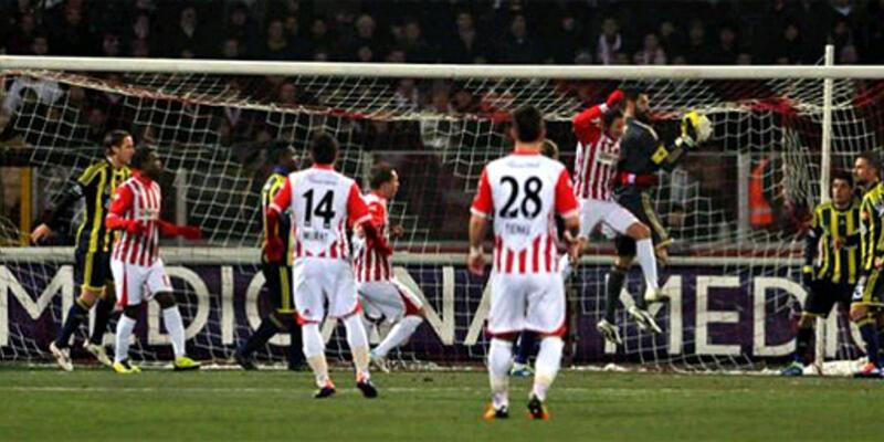 Gekas Fenerbahçe'yi devirdi