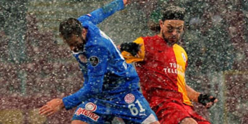 Galatasaray serbest düşüşte: 1-1