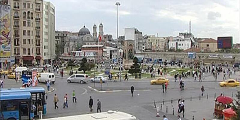 Taksim Meydanı yayalaşıyor