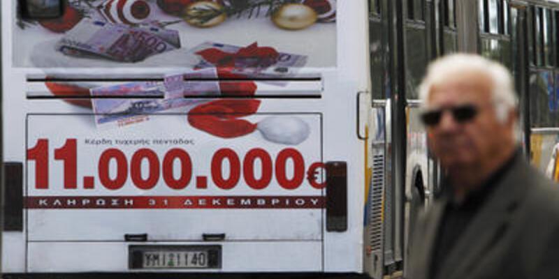 Yunanistan halkı piyango bileti bile alamadı!